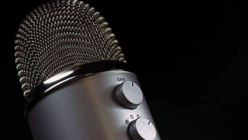 microphone-1172260_960_720